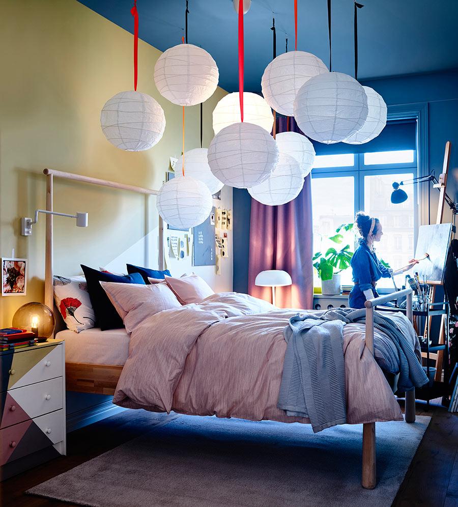 catálogo ikea 2020 dormitorio juvenil lámparas de papel estructura de cama de madera