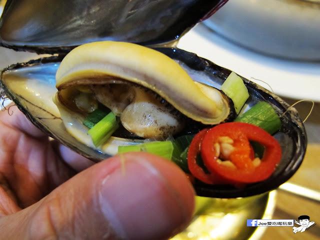 IMG 0935 - 【台中美食】 ||釜山珍妮佛 || 要吃九層海鮮塔,不用到韓國拉,也不用到釜山珍妮佛創始店人擠人,因為文心路上就有一間啦!!!
