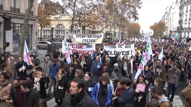 Trabajadores de educación de Francia protestan contra el Gobierno