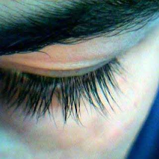 cara alami menebalkan dan memanjangkan bulu mata