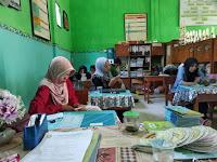 Kegiatan Guru saat Memonitor Pelaksanaan PAT 2019/2020 - MI Tashilul Mubtadiin