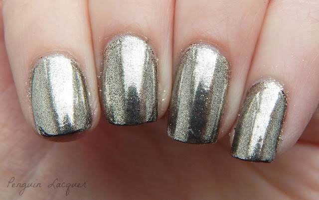 essence blossom dreams mirror effect nail pigment