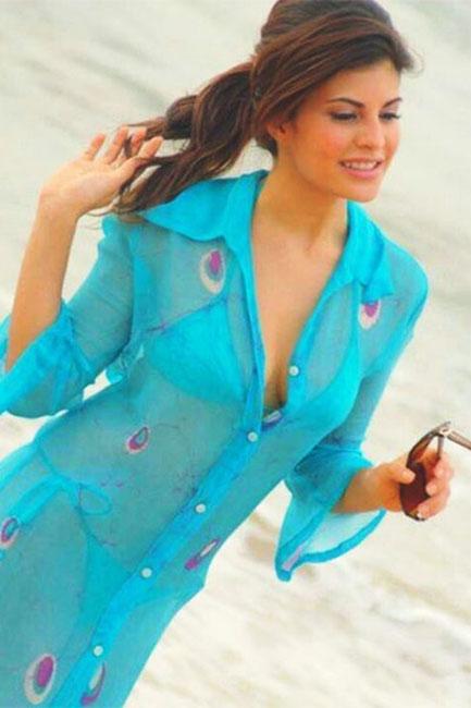 Jacqueline Fernandez Hot Bikini and Swim Wear Images