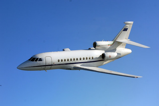 AN ITALIAN AIR FORCE FALCON 900 TRANSPORTS TO U.S. A CHILD WHO NEEDS EXPERIMENTAL TREATMENT