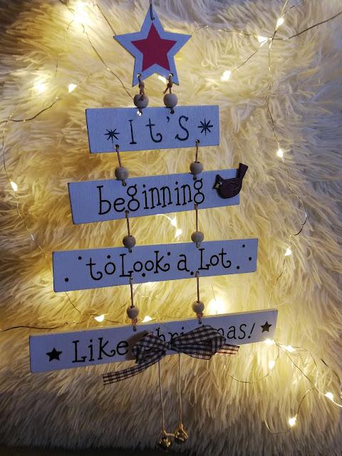 christmas, božić, bozic, decor, dekoracija, snow, snijeg, zima, winter, cozy, cosy, ugođaj, lampice, fairy lights, beautiful