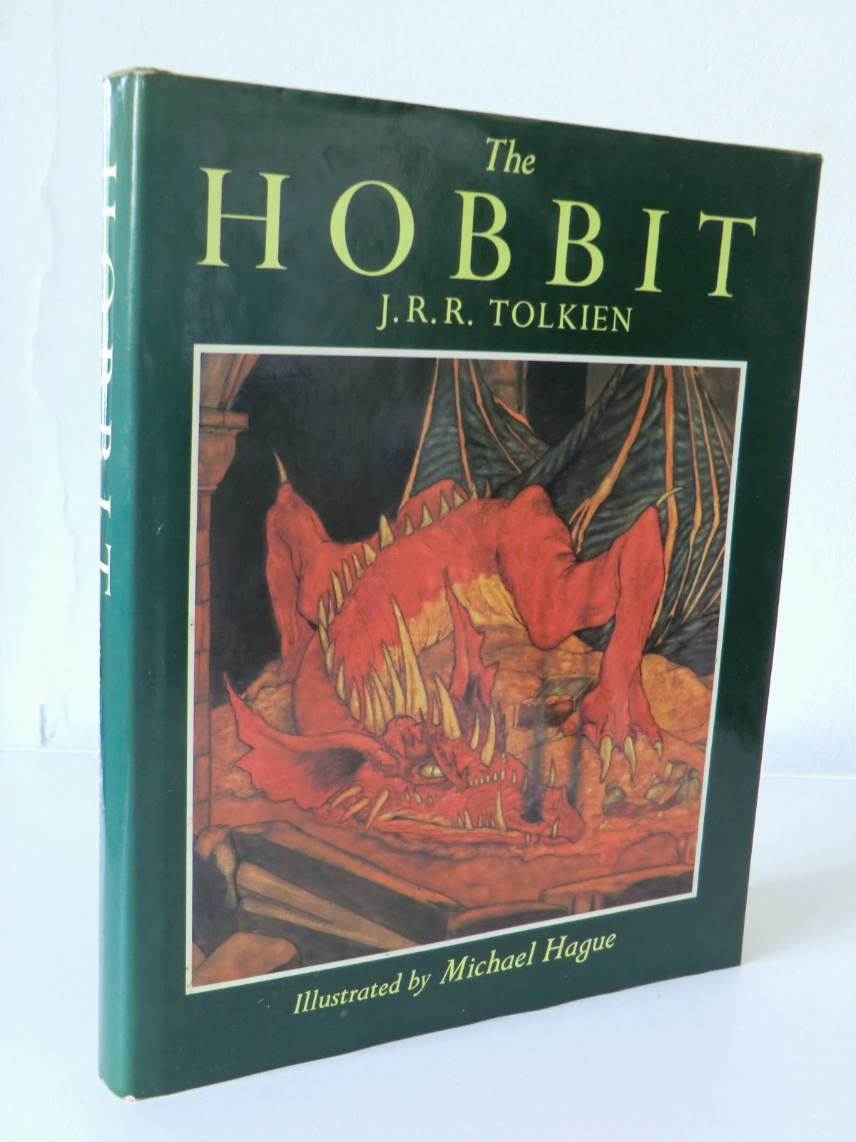 an antique books guide the hobbit j r r tolkien 39 s most famous book and how much it 39 s worth. Black Bedroom Furniture Sets. Home Design Ideas