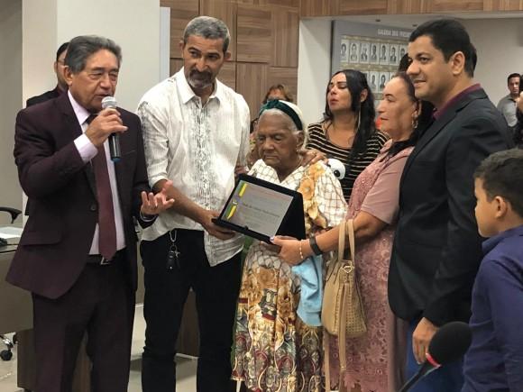 Moradora  de Paulo Afonso de 113 anos  recebe  título de cidadã Paulo afonsina