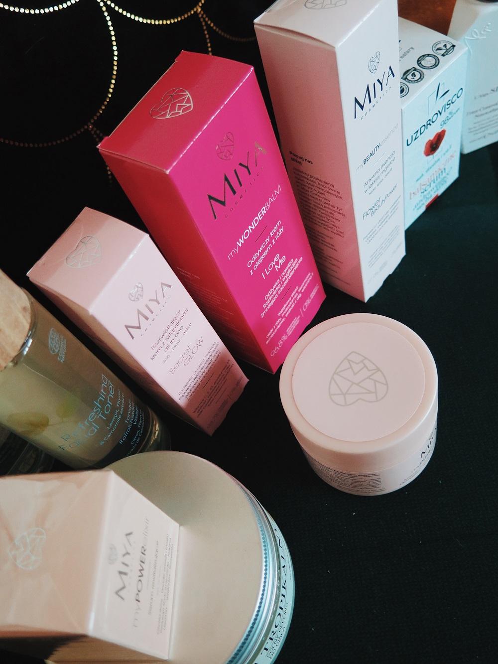 Naturalne kosmetyki do pielęgnacji twarzy Miya, Hebe Feel Free