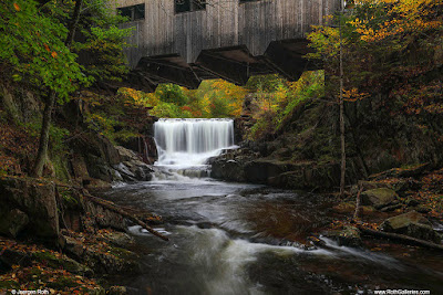 New-England-Photography-of-Fall-Foliage-at-the-Bissell-Covered-Bridge-and-Mill-Brook-Waterfall