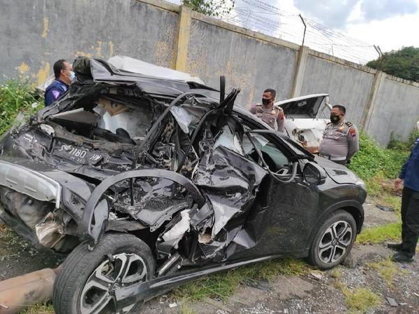 Ini Penampakan Mobil Chacha Sherly Eks Trio Macan yang Kecelakaan di Tol