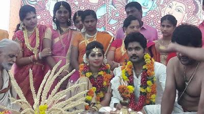 1454926920_actress-devika-madhavan-aka-sruthi-nair-wedding