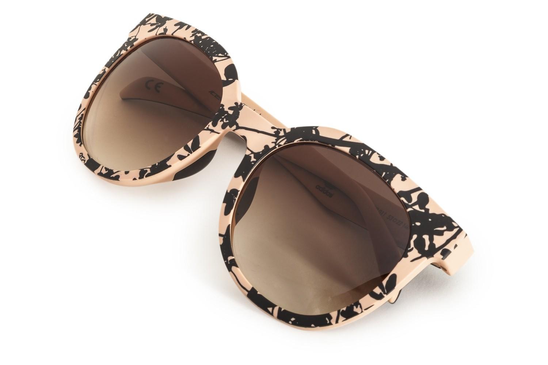 A ITALIAN INDEPENDENT, grife de óculos, acaba de lançar sua primeira  coleção em parceira com a ADIDAS . A linha é inspirada na cultura de  sneackers da marca ... 76536c79f8