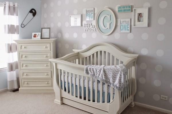 Habitación de bebé en celeste y gris
