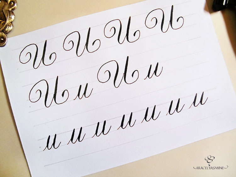 caligrafía copperplate letra U alfabeto aprender