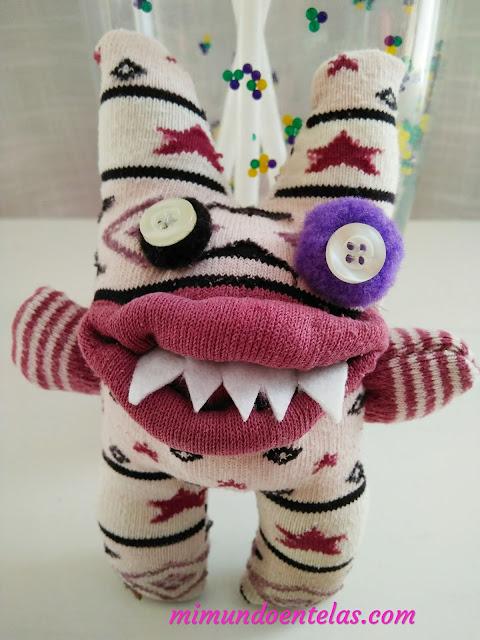 monstruo de calcetín