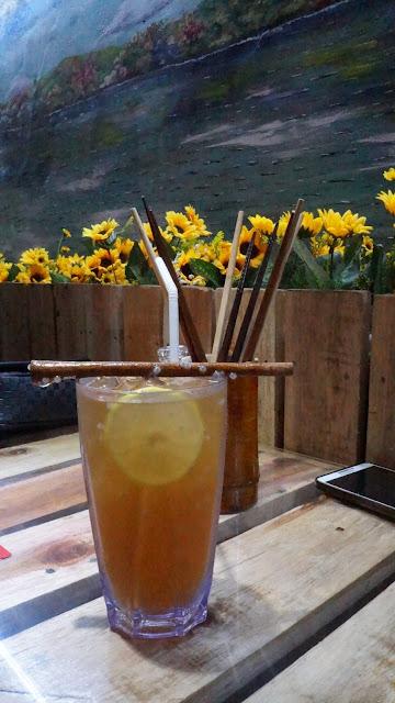 Exocit ice Mokuzai Cafe Pontianak