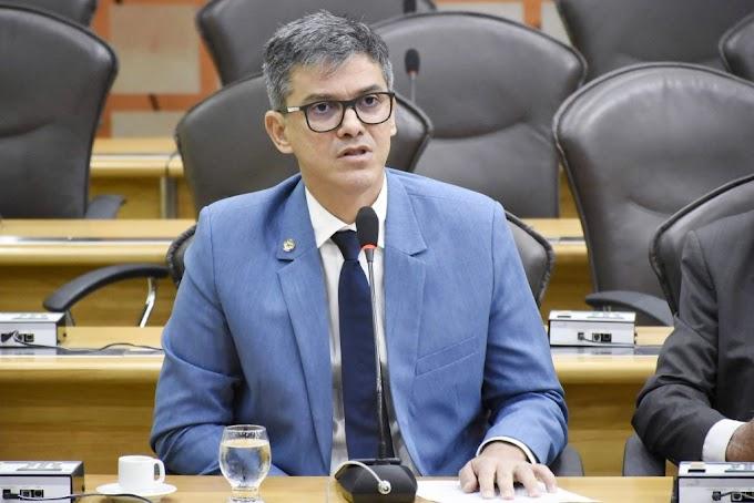 Coronel Azevedo defende que servidores efetivos recebam salários antes de comissionados