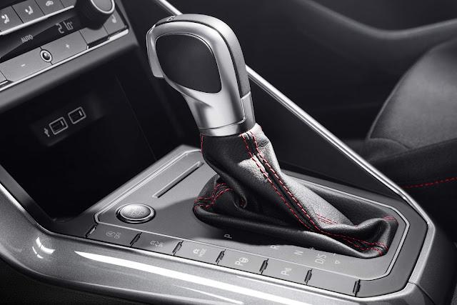 Novo VW Polo 2018 - interior - câmbio DSG