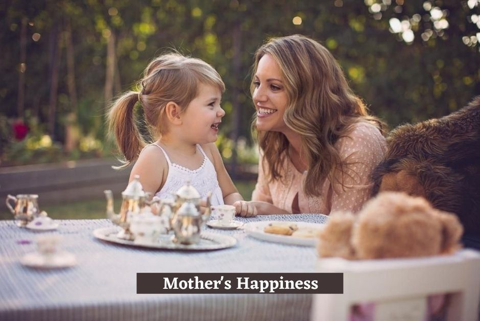 Happy Mother and Daughter Wallpaper
