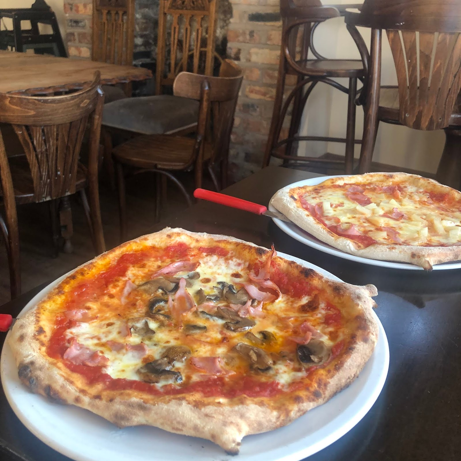 Pizza at Di Meos - My August Days