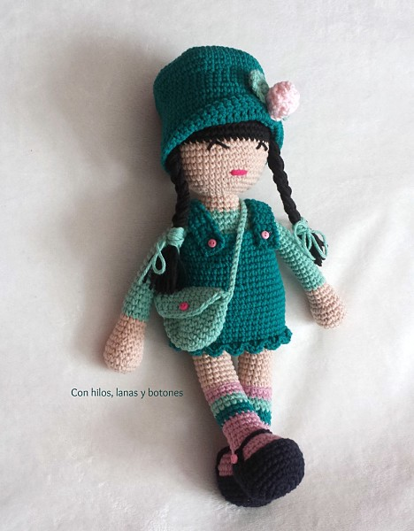 Con hilos, lanas y botones: Muñeca amigurumi Anni con patrón gratuito de Anigurumis