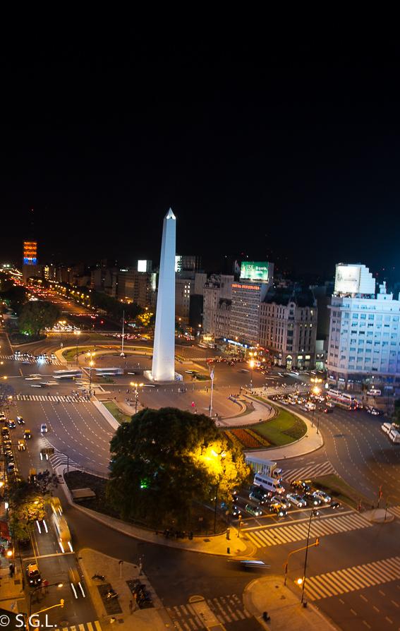 Nocturna de la Avenida 9 de Julio. Buenos Aires