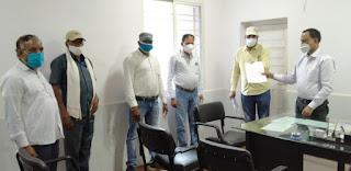 मंडी कर्मचारियों ने किया केंद्र शासन के अध्यादेश व राज्य शासन के मॉडल एक्ट का विरोध