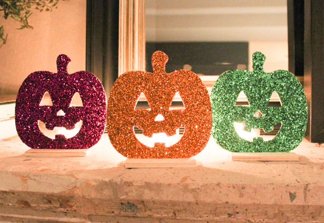 Pretty DIY Halloween pumpkin lights!