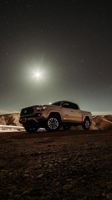 Night, light, large exposure wallpaper, Toyota, pickup, car