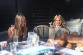 beautiful sisters smoking cig