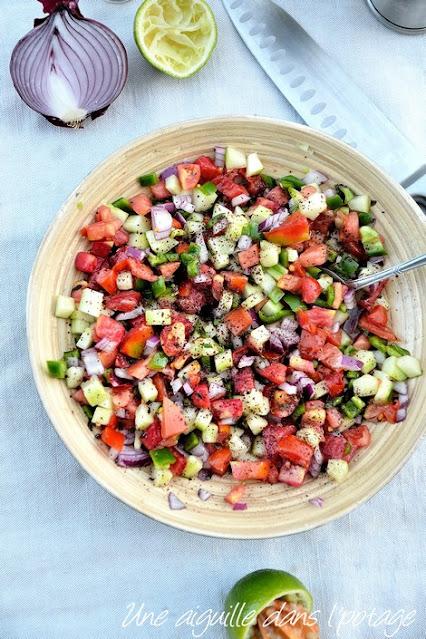 salade-concombre-tomate-oignon-menthe-piment-iran