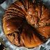 Weihnachtlicher Baklava Hefekranz mit Honig Glasur