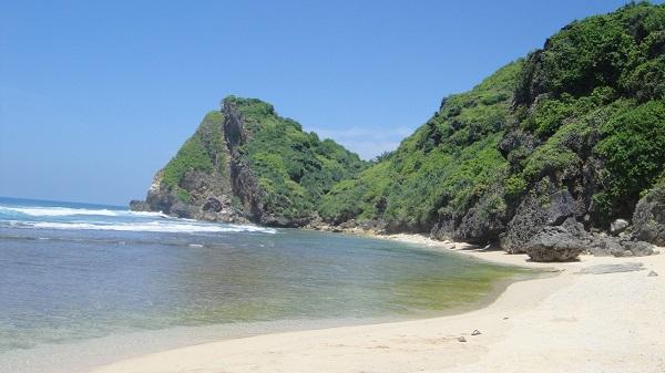 Pantai Nguyahan