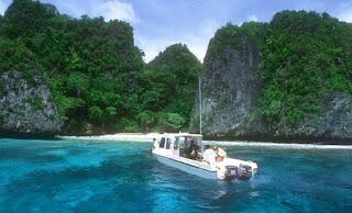 Pesona Kepulauan Raja Ampat Papua Barat yang Memikat