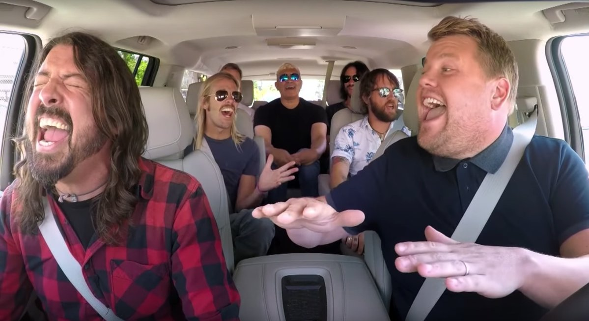 Foo Fighters incredibili al Carpool Karaoke: video virale nei Social