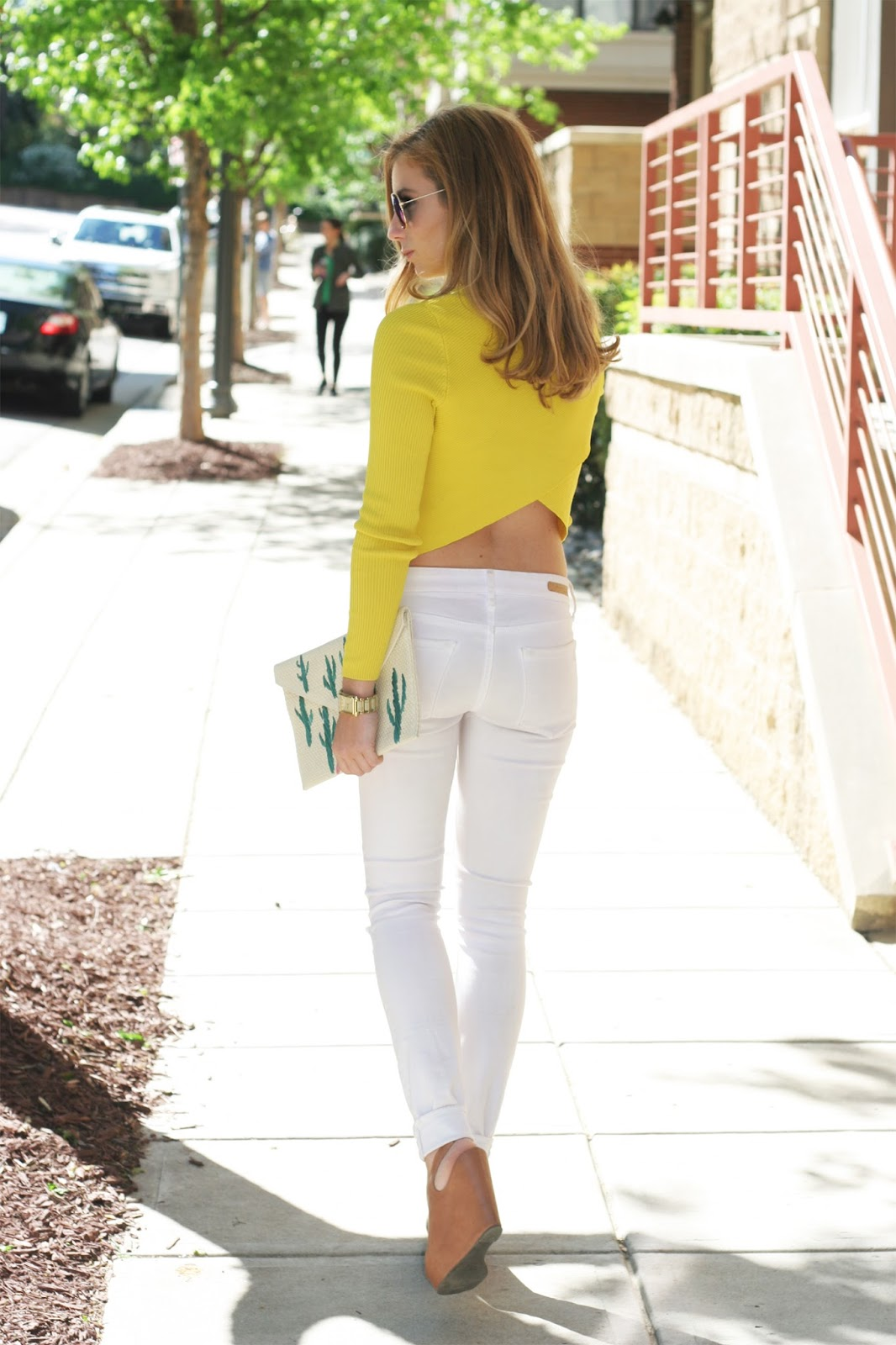 Open-back-crop-top-street-style-perfect-pair-articles-of-society-white-jeans