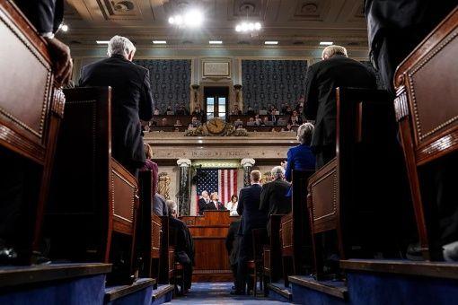 Aprueban ley para retirar apoyo de EE.UU. a guerra en Yemen