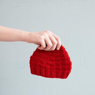 free knitting pattern - triangle rib baby hat
