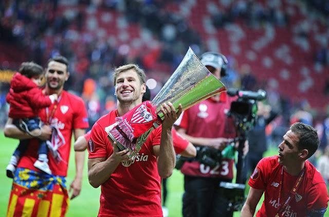 soccer trophy melbourne
