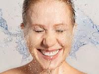 5 Tips Membersihkan Wajah Yang Baik & Sehat