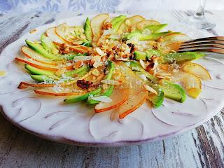 Карпачо от круши и авокадо