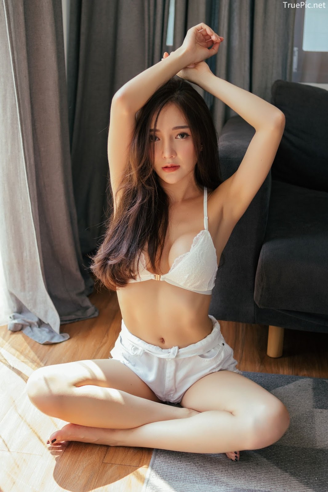 Thailand sexy model Rossarin Klinhom with photo album By your side - Picture 6