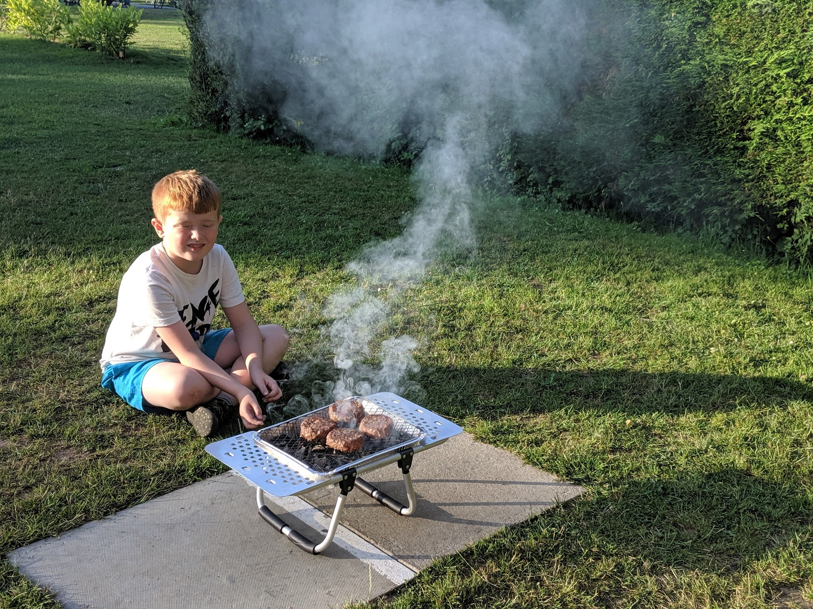 Ready Camp Horsley Review : Glamping near LEGOLAND and Chessington World of Adventures - BBQ area