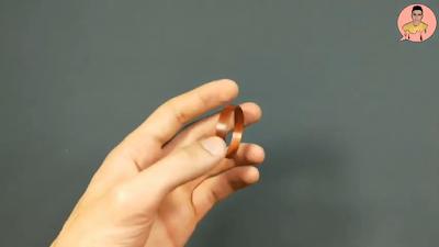 إطار من قشرة الخشب لامع دائري الشكل