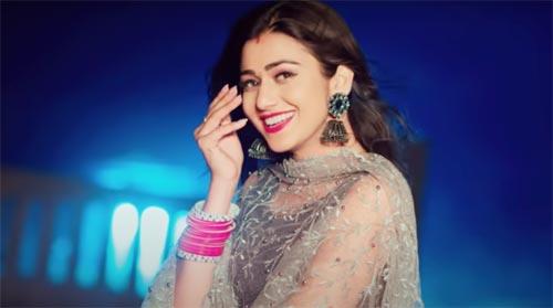 Janu Janu Lyrics - Miss Sweety feat Sweta Chauhan, Fawad Khan