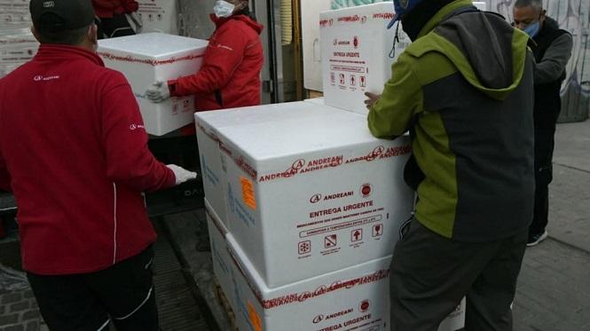 Llegó a Mendoza el mayor cargamento de vacunas desde que comenzó la pandemia