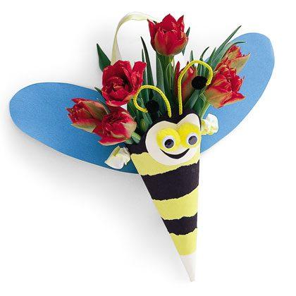Crafts: Bee Bouquet