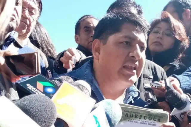 Adepcoca anuncia querellas penales contra Morales, Romero, Quiroga y Cocarico