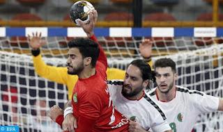 صورة من مباراة المغرب ضد الجزائر