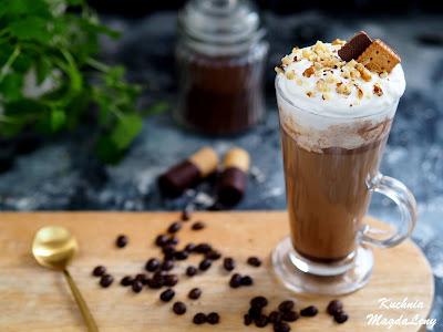 Smakowa kawa latte z nutellą